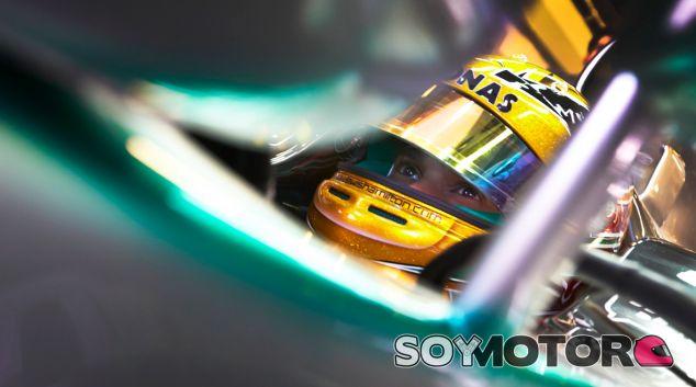 Lewis Hamilton estrenará chasis nuevo del Mercedes W04 - LaF1