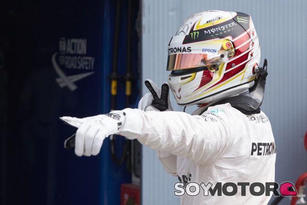 Lewis Hamilton logra la Pole en Monza - LaF1