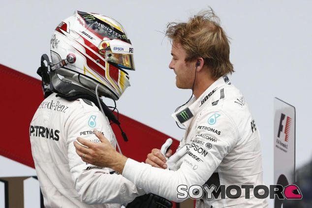La relación entre Hamilton y Rosberg se mantiene cordial esta temporada - LaF1