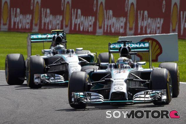 Lewis Hamilton y Nico Rosberg en Bélgica - LaF1