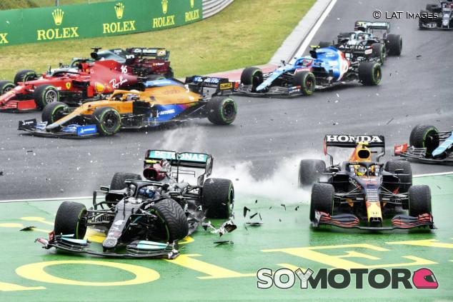 Accidente en la salida del GP de Hungría F1 2021 - SoyMotor.com