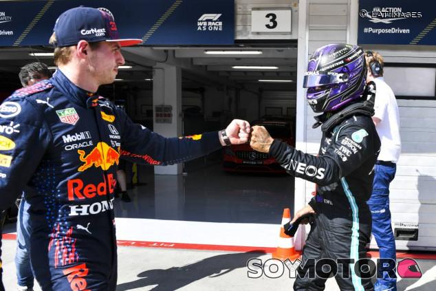Max Verstappen y Lewis Hamilton tras la clasificación de Hungría - SoyMotor.com