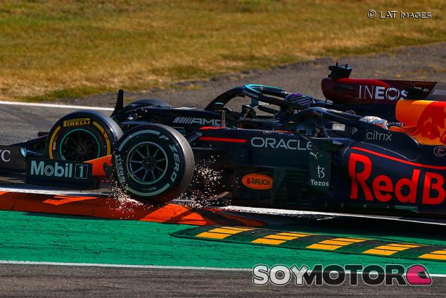 Villeneuve no ve ecos de Senna y Prost en el duelo Hamilton-Verstappen - SoyMotor.com