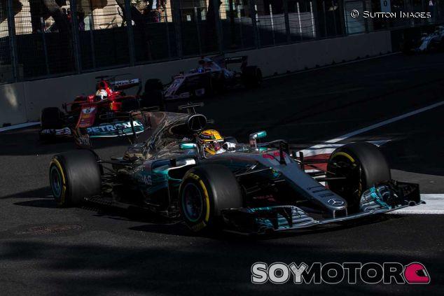 Hamilton y Vettel en Bakú - SoyMotor