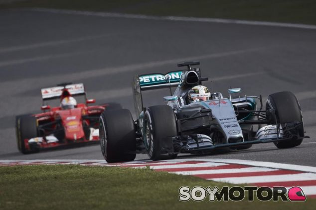 Hamilton quiere disfrutar de buenas luchas con Sebastian en la parte delantera - LaF1