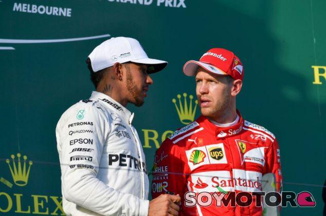 Hamilton y Vettel en el podio de Australia - SoyMotor