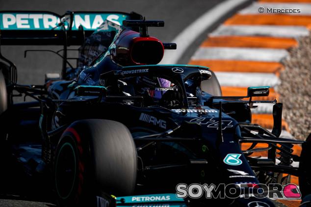Mercedes sopesa penalizar en Italia por cambio de motores - SoyMotor.com