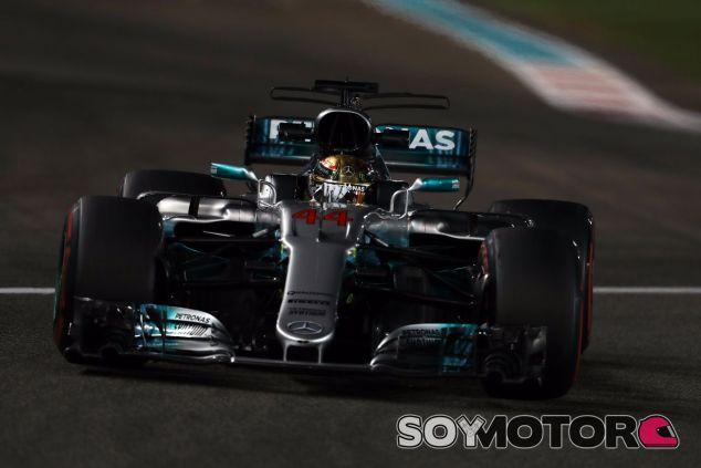 Lewis Hamilton en Yas Marina - SoyMotor.com