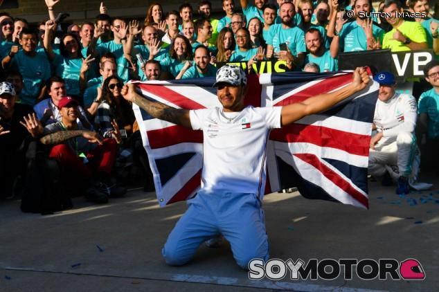 Reino Unido pide el título de 'Sir' para Lewis Hamilton - SoyMotor.com