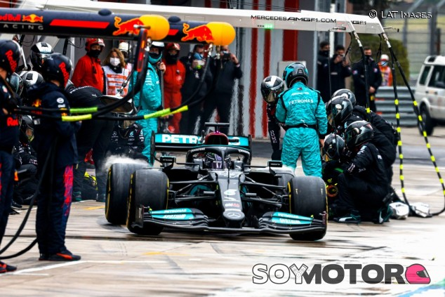 La estrategia, explicada: cómo Mercedes le ganó a Red Bull - SoyMotor.com