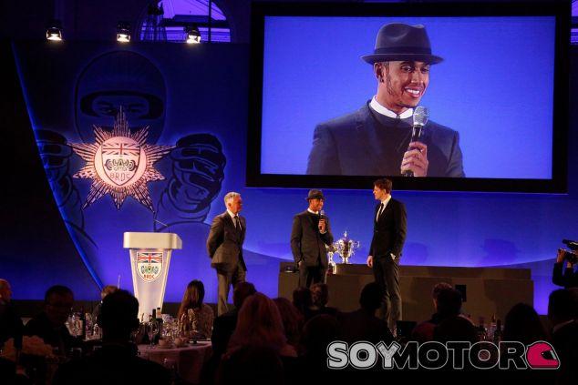 Lewis Hamilton, premiado en la gala de los BRDC Awards de 2014 – SoyMotor.com