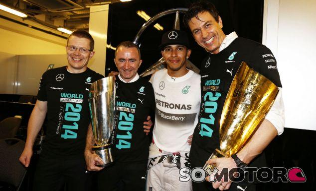 """La firma de la renovación de Lewis Hamilton, """"una formalidad"""""""
