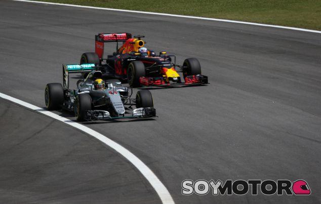 """Ricciardo: """"Hamilton no lo tendrá fácil, creedme"""""""