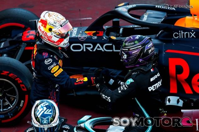 22 segundos en 16 vueltas: así se merendó Hamilton a Verstappen - SoyMotor.com