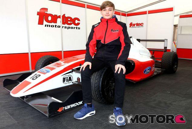 El hermano de Ericsson debutará en la Fórmula 4 británica - SoyMotor