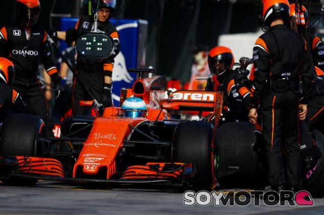 Alonso estuvo cerca de terminar el GP de Australia - SoyMotor