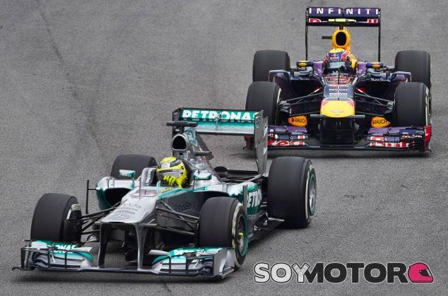 El objetivo para Hamilton es ganar los dos campeonatos del mundo