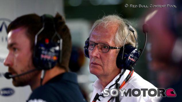 Helmut Marko en el box de Red Bull durante el GP de Malasia - LaF1.es