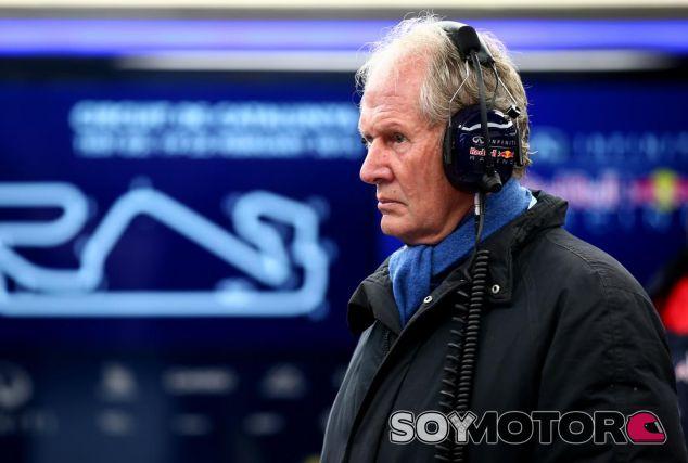 Helmut Marko en el box de Red Bull - LaF1.es