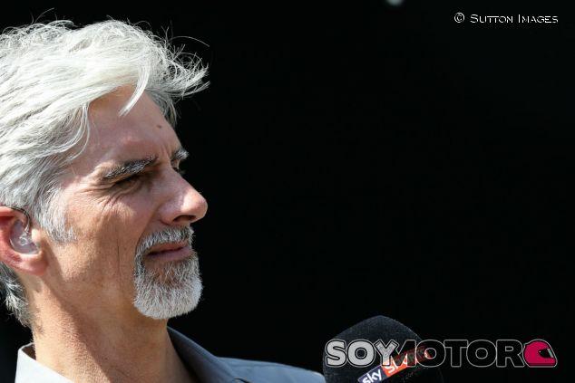Hill, en el transcurso de un Gran Premio de la temporada 2015 - SoyMotor