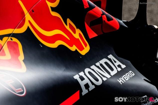 OFICIAL: Honda renueva con Red Bull y Toro Rosso hasta 2021 - SoyMotor.com