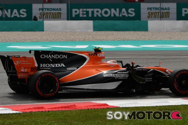 Vandoorne durante un GP esta temporada - SoyMotor.com