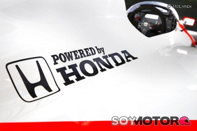 El logotipo de Honda en uno de los monoplazas que tanto éxito dio a McLaren en los 60 - LaF1