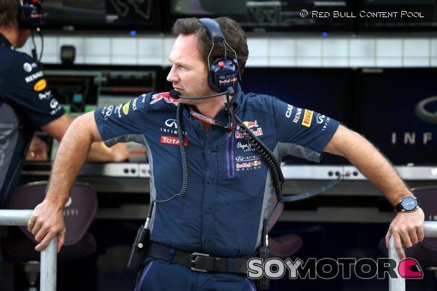 Christian Horner en el muro de Red Bull en Baréin - LaF1