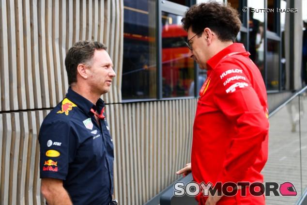 Binotto fue a ver a Horner por las acusaciones de Verstappen a Ferrari - SoyMotor.com