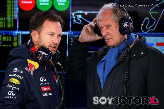 Helmut Marko charlando con Christian Horner - LaF1.es
