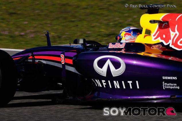 La cúpula de Red Bull abandona Jerez por los problemas del RB10