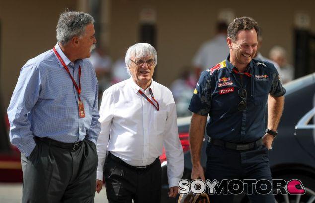 Christian Horner junto a Bernie Ecclestone y Chase Carey - SoyMotor