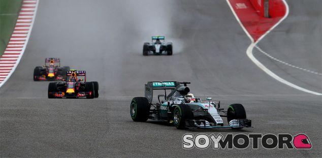 Finalmente, Lewis tuvo que irse a Mercedes, y no le ha ido nada mal hasta el momento - LaF1
