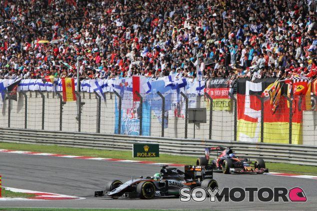 Nico Hülkenberg por delante de Max Verstappen en Shanghái - LaF1