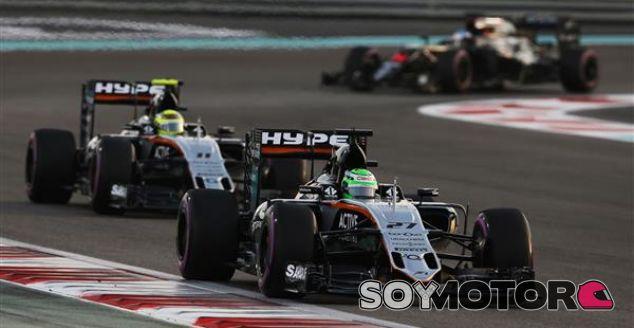 Hülkenberg y Pérez durante un Gran Premio esta temporada - SoyMotor