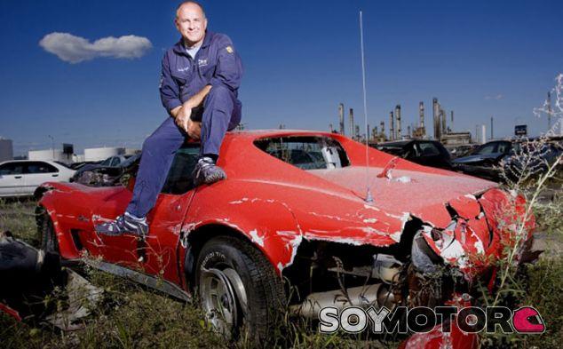 Trabaja de 'dummy humano' y vive para contarlo tras 1.000 colisiones - SoyMotor.com