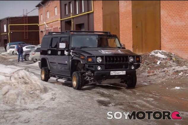 VÍDEO: ¿Un Hummer H2 con llantas de 13 pulgadas? - SoyMotor.com