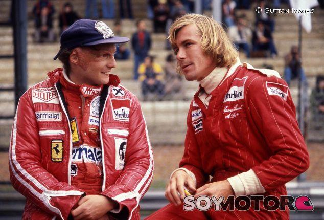 Niki Lauda y James Hunt en 1977 - SoyMotor