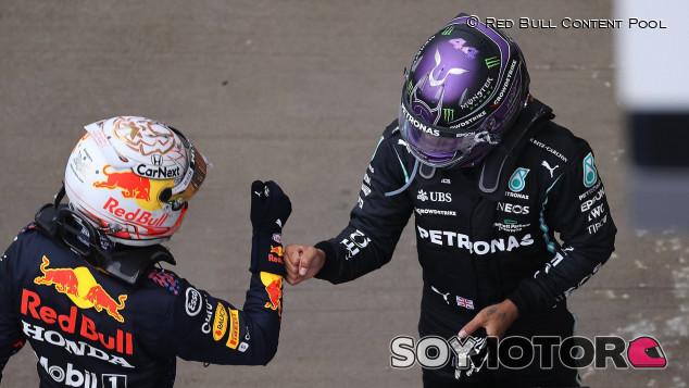 El hijo de James Hunt cree que Verstappen se parece más a su padre que Hamilton - SoyMotor.com