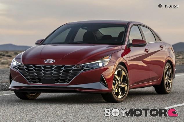 Hyundai Elantra 2021: hibridación a escena - SoyMotor.com