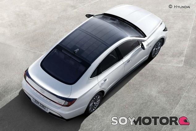 Hyundai presenta el primer coche con techo solar - SoyMotor.com