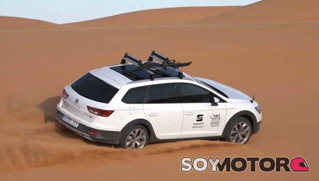 El Seat León X-Perience es el coche oficial de la Titan Desert 2017 - SoyMotor