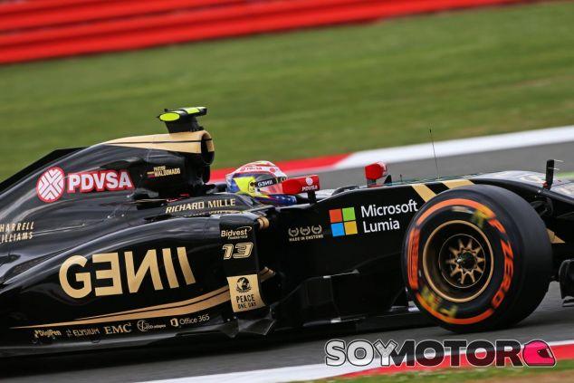 Pastor Maldonado con el E23 - LaF1