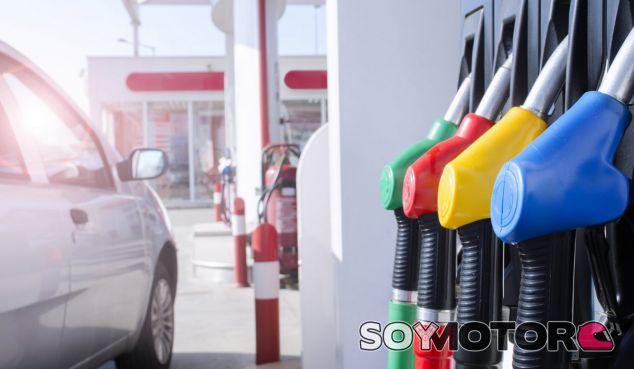 Esta nueva fiscalidad del Diesel supondría una recaudación de 2.140 millons de euros por año - SoyMotor