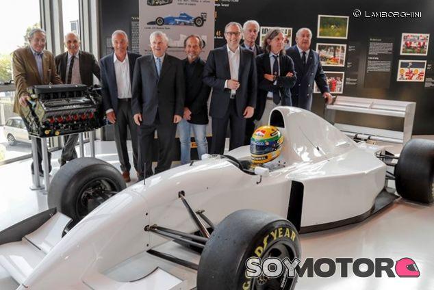 Inaugurada la exposición en honor a Senna en el Museo Lamborghini  - SoyMotor