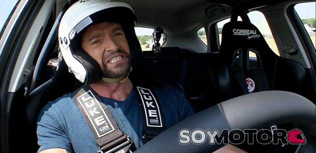 Hugh Jackman será Enzo Ferrari en la nueva película de Michael Mann - SoyMotor.com