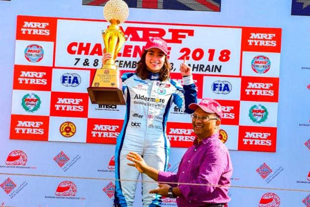 Chadwick se convierte en la primera mujer en ganar el MRF Challenge