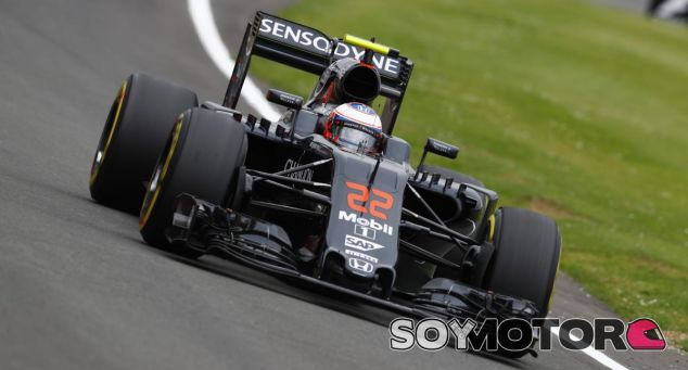 Jenson Button en una imagen de archivo de Silverstone - LaF1