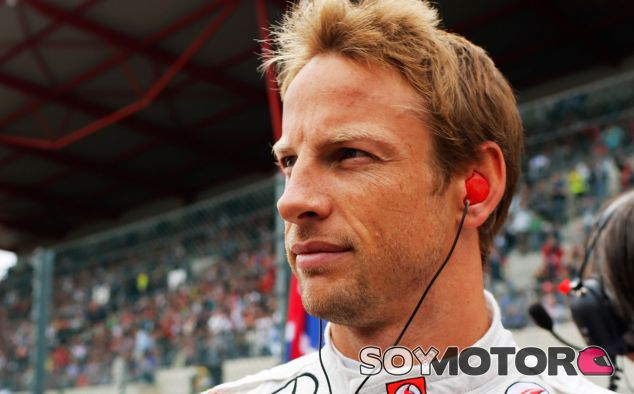 Jenson Button en la parrilla de salida - LaF1
