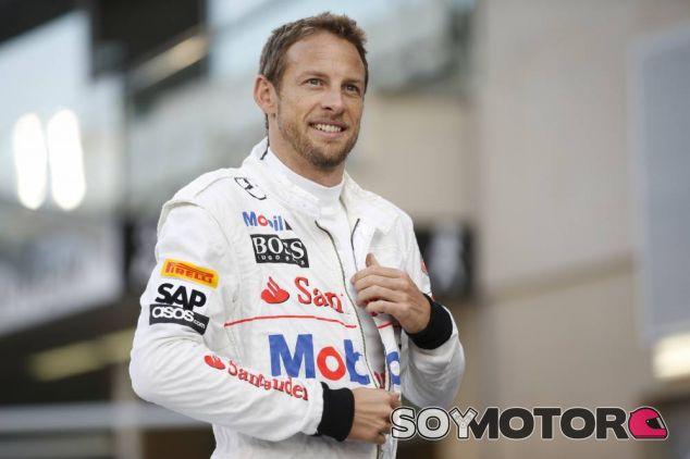 Jenson Button en el Yas Marina, en Abu Dabi - LaF1